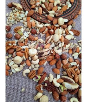 Смесь орехов  « Ореховый вкус» ( з сырых орехов)